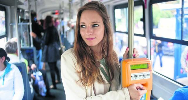 Osoby płacące podatki w Krakowie będą mogły taniej kupować bilety okresowe komunikacji miejskiej