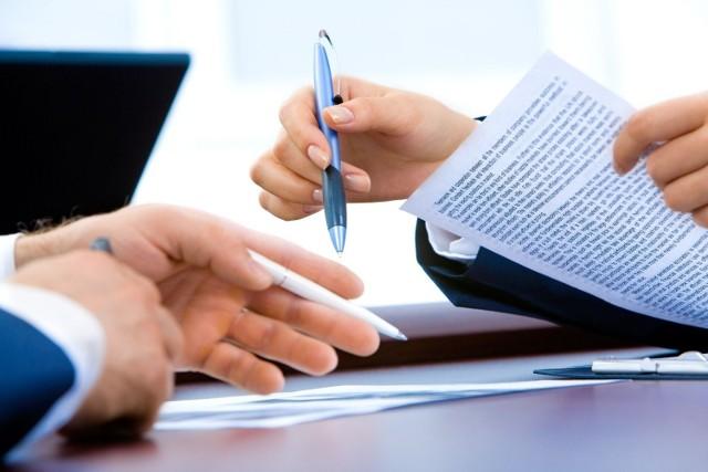 Kancelaria Prezesa Rady Ministrów prowadzi rekrutację do podległych sobie urzędów. Sprawdź, jaką pracę i za jaką płacę można znaleźć w Służbie Cywilnej w Kujawsko-Pomorskiem. Oto szczegóły!  Wszystkie oferty pochodzą ze strony: nabory.kprm.gov.pl  Czytaj dalej. Przesuwaj zdjęcia w prawo - naciśnij strzałkę lub przycisk NASTĘPNE
