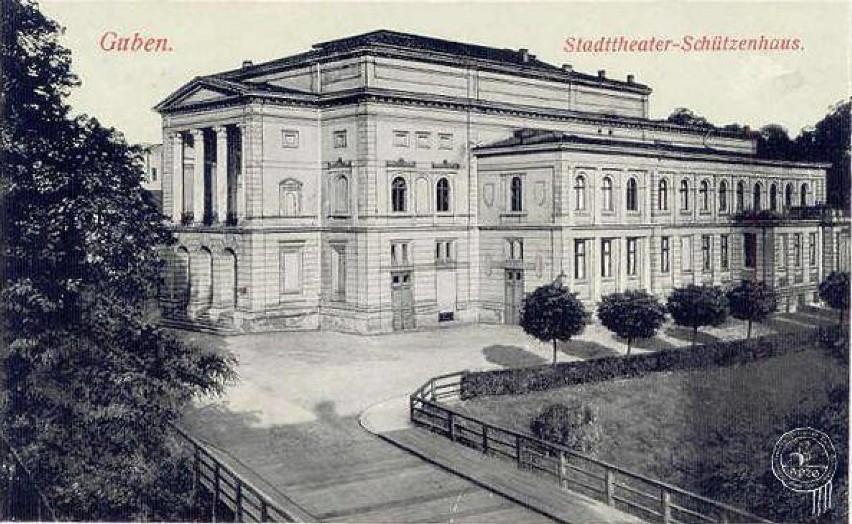 Tak wyglądał budynek Teatru Miejskiego na Wyspie Teatralnej...