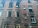 Tragiczny pożar kamienicy w Chorzowie, przy ul. Cmentarnej. Jedna osoba nie żyje, jedna została ciężko ranna