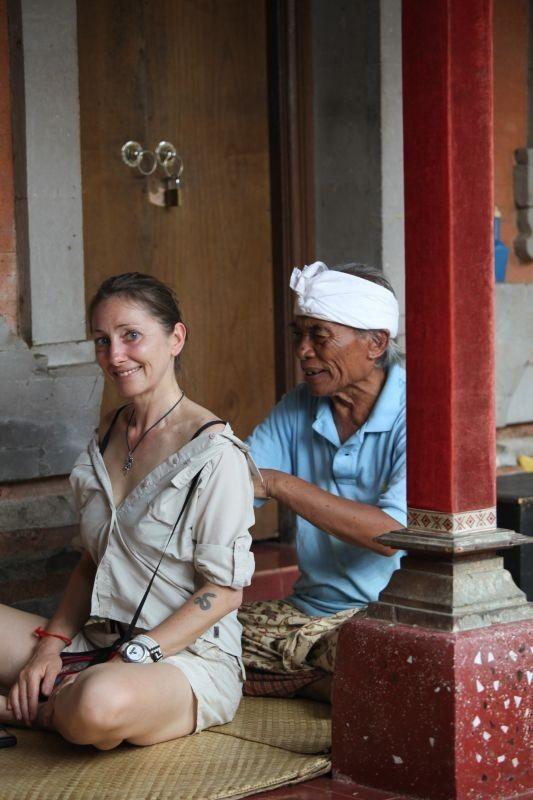 30-letnia kobieta spotyka 25-letniego mężczyznę