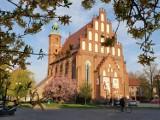 Katedra w Żarach to prawdziwa perełka wśród żarskich zabytków. Prezentuje się wspaniale o każdej porze roku