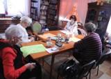 Dyskusyjny Klub Książki w bibliotece w Pruszczu. Spotkania dla młodzieży i dorosłych