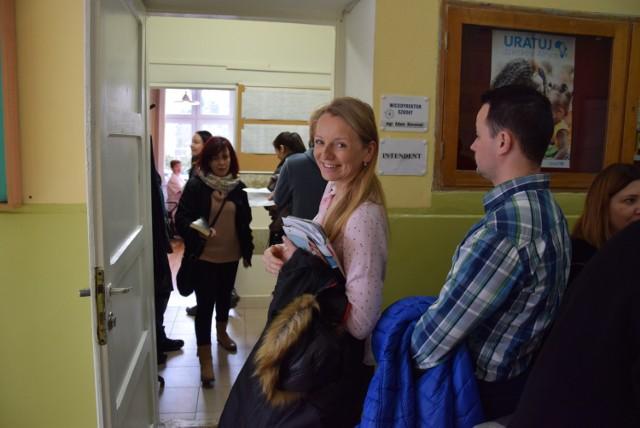 Paulina Słowik stała w kolejce blisko trzy godziny, by zapisać córkę na półkolonie w SP nr 1