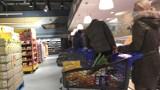 Sobota w Gnieźnie. Mieszkańcy wyruszyli na przedświąteczne zakupy