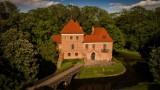 Wycieczki do zamku w Oporowie z rządowym dofinansowaniem
