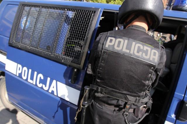 Policja zatrzymała nastolatka, który w maju okradał kiosk przy ...