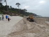 Refulacja plaży w Ustce. Pogłębiarka, rurociąg i spychacze w akcji