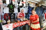 Mistrzostwa Europy w piłce nożnej. Gdzie i za ile kupimy w Toruniu gadżety dla kibiców?