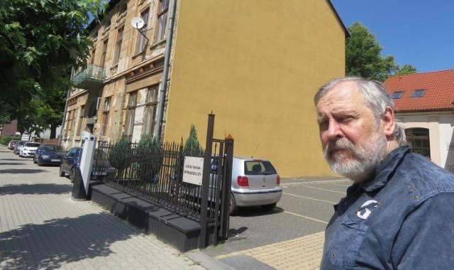 Sprawa 70-letniego Wojciecha Butschera, który obawia się o swój rodzinny dom, poruszyła sądeczan