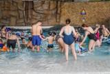 Termy Maltańskie zapraszają latem na aqua fitness, wieczory saunowe i do Strefy Surfera