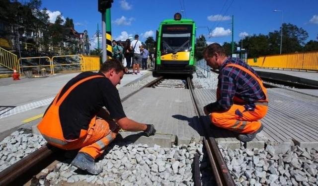 24 miliony złotych planuje wydać w 2020 roku miasto Poznań na odnowę infrastruktury publicznego transportu zbiorowego. Plan remontów 2020 obejmuje prace w centrum, na Winogradach i Jeżycach. Zobacz gdzie w 2020 roku odbędą się remonty torowisk. Jakie utrudnienia komunikacyjne czekają mieszkańców Poznania?  Zobacz planowane remonty-------->