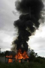 Chojnice: Pożar na ul. Kościerskiej. Jedna osoba nie żyje