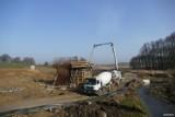 Budowa obwodnicy Kędzierzyna-Koźla. Uwaga! Będą utrudnienia w związku z budową ronda w rejonie osiedla Piastów. Zobacz postęp prac