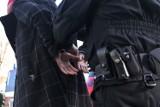 Pijana 32-latka rzuciła się na policjantów