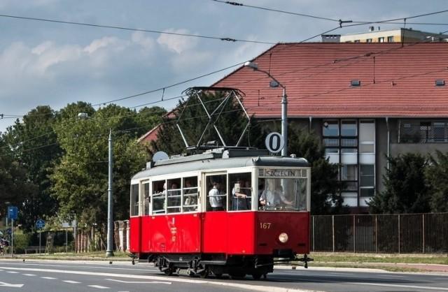 Zabytkowy szczeciński tramwaj wozi mieszkańców i turystów