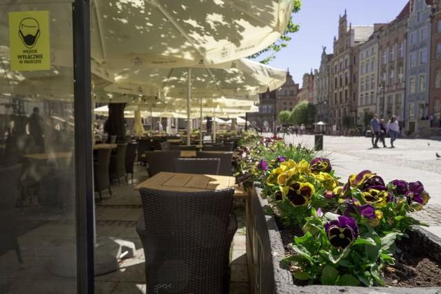 Restauratorzy już szykują ogródki, które zostaną otwarte w sobotę 15 maja