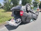Jastrzębie: nie ustąpił pierwszeństwa i doprowadził do wypadku czterech pojazdów! Autami podróżowały dzieci. Dwie osoby trafiły do szpitala