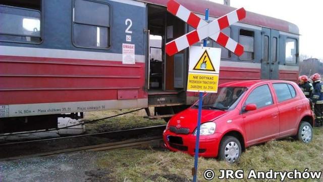 Kolizja na przejeździe kolejowym na ulicy Tkackiej w Andrychowie.