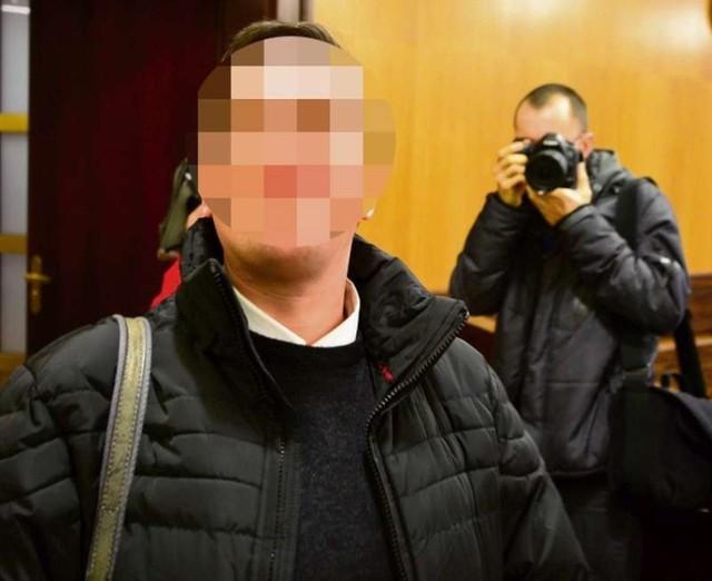 """Po siedmiu latach więzienia były ksiądz Paweł K. wyszedł na wolność, podała wrocławska """"Gazeta Wyborcza""""."""