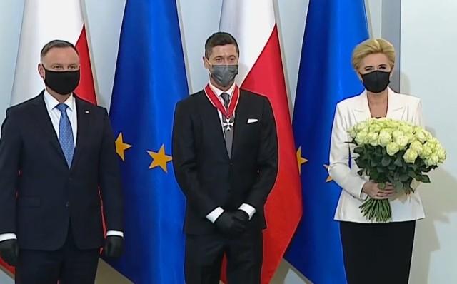 Robert Lewandowski odznaczony przez prezydenta Andrzeja Dudę