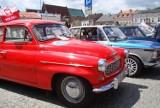 Zabytkowe pojazdy przyciągnęły fanów motoryzacji na Rynek w Oświęcimiu