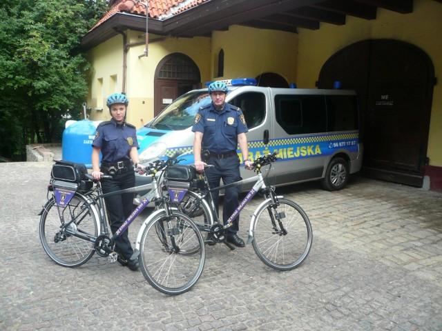 Aleksandra Ostrowska i Mariusz Błaszkiewicz mają już za sobą pierwsze patrole miasta na dwóch kółkach.