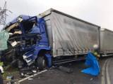 UWAGA! Droga zablokowana! Zderzyły się dwa samochody ciężarowe! [ZDJĘCIA]
