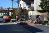 Trwa remont ulicy Kochanowskiego w Wieluniu ZDJĘCIA
