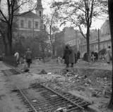 Warszawa zaraz po wejściu Niemców w 1939 r. Ruiny, groby, okopy, wraki