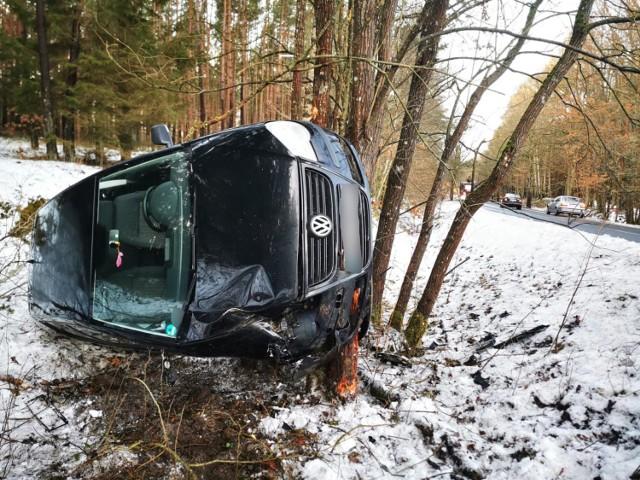 W czwartek rano na drogach w naszym regionie mogą panować trudne warunki do jazdy.