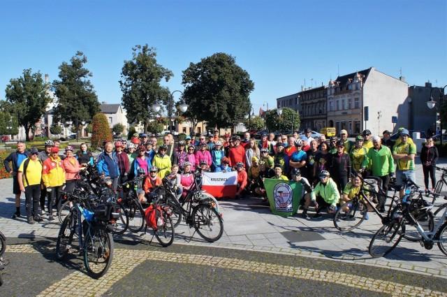 Turyści rowerowi z kilku klubów z terenu województw kujawsko-pomorskiego i wielkopolskiego wzięli udział w Promienistym Rajdzie Rowerowym Gęsi Gęgawy. Imprezę zorganizował Nadgoplański Park Tysiąclecia w Kruszwicy