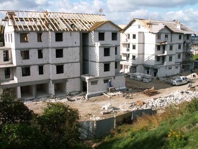 Budowa bloków u stóp Górki Rynkowej w Szczecinku