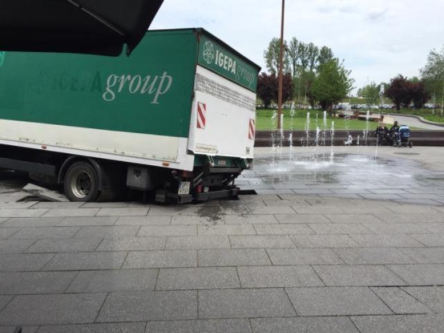 Fontanna przy NOSPR została uszkodzona w miniony piątek