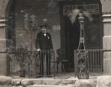 Stare zdjęcia zamku w Malborku. Zobacz ludzi przy pracy w 1916 roku!