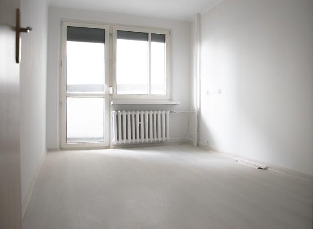 Ul. Kubsza 28 - lokal użytkowy o powierzchni 11,19 m2  Spółka oferuje do wynajęcia lokal użytkowy,  o powierzchni 11,19 m2, składający się z jednego pomieszczenia oraz wspólnego wc usytuowanego na korytarzu, położony na I piętrze w budynku przy ul. Kubsza 28 w Wodzisławiu Śląskim.   Lokal wyposażony jest w instalację elektryczną oraz c.o. i przeznaczony są do prowadzenia działalności biurowej. Możliwość prowadzenia działalności usługowej po dokonaniu zgłoszenia w Starostwie Powiatowym zmiany sposobu użytkowania.