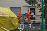 Coraz trudniejsza sytuacja szpitala w Ozimku. Rośnie liczba zakażonych pacjentów, nie żyją już 2 osoby