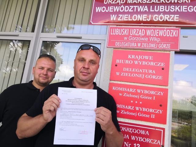 Komitet referendalny zebrał podpisy pod wnioskiem o referendum i przekazał je komisarzowi wyborczemu w Zielonej Górze.