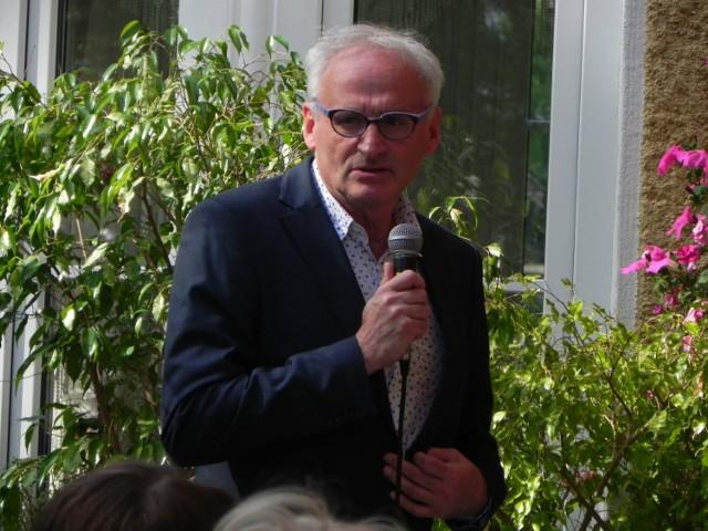 Krzesimir Dębski w Busku - Zdroju podczas promocji swojej książki.