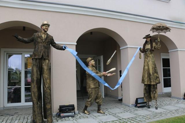 Tak wyglądało oficjalne otwarcie Kamienicy Konarzewskich na czeladzkim rynku   Zobacz kolejne zdjęcia/plansze. Przesuwaj zdjęcia w prawo - naciśnij strzałkę lub przycisk NASTĘPNE