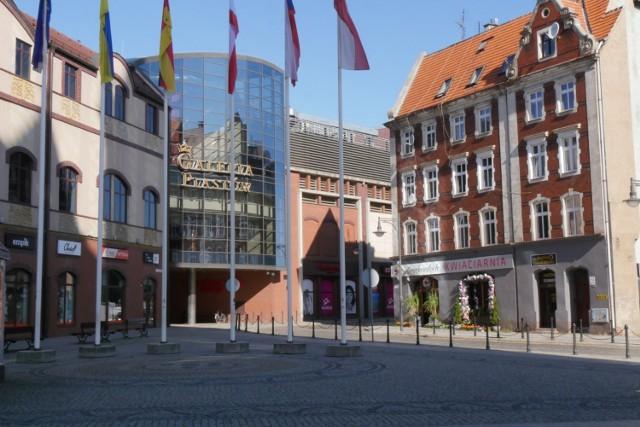 Ile kosztuje życie w Legnicy w porównaniu z innymi miastami w Polsce? Zerknijcie do raportu na kolejnych zdjęciach.
