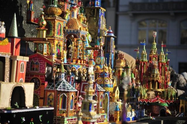 Coroczny konkurs na Najpiękniejszą Szopkę Krakowską organizowany jest przez Muzeum Historyczne Miasta Krakowa. Tak wyglądały szopki w latach ubiegłych