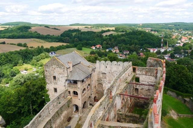 Zamek w Bolkowie słynie z corocznego festiwalu Castle Party. W czasie jego trwania przeżywa prawdziwe oblężenie. Warto jednak przyjechać do zamku także w innym okresie - wtedy bez tłumów możemy zwiedzić zakamarki zamku i poczuć atmosferę historii.