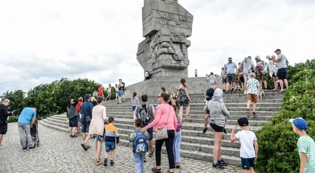 Pijarskie LO w Łowiczu zdobyło 15 tys. zł na trzydniową wycieczkę dwóch klas do Trójmiasta. Uczniowie zobaczą m.in. Westerplatte.