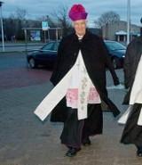 Biskupi do wiernych: nie palcie w piecu byle czym i korzystajcie z komunikacji miejskiej