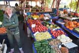 Na opolskich targowiskach jest coraz drożej! Szalejąca inflacja uderzy nas po kieszeniach. Ile zapłacą Opolanie?