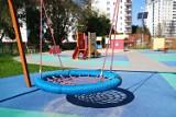 Gocław. Nowy plac zabaw w dzielnicy. Kolorowa przestrzeń powstała w ramach budżetu obywatelskiego