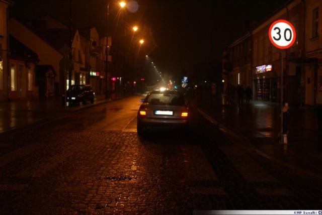 Wypadek w Suwałkach. Auto potrąciło pieszego