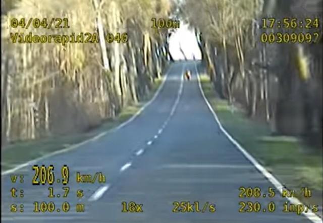 Policja Śrem: rekordzista gnał jak po torze wyścigowym. Grupa Speed miała pracowite święta