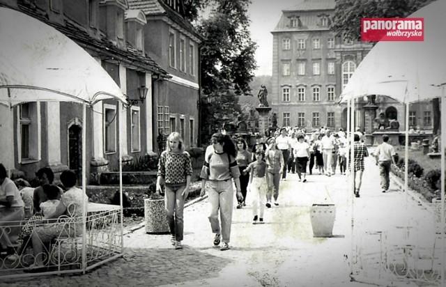 Turyści w zamku Książ na przełomie lat 70. i 80.